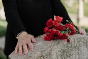 Los movimientos sociales en los funerales, clave para disminuir el impacto ambiental de la muerte